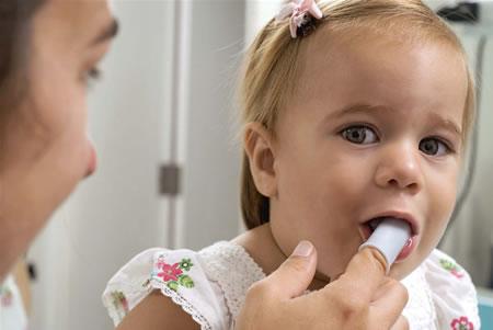 Higiene de los dientes bebes.